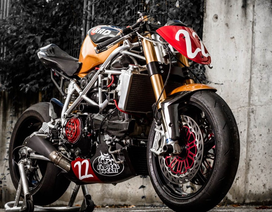"""Matador"" Fotografías para Radical Ducati"
